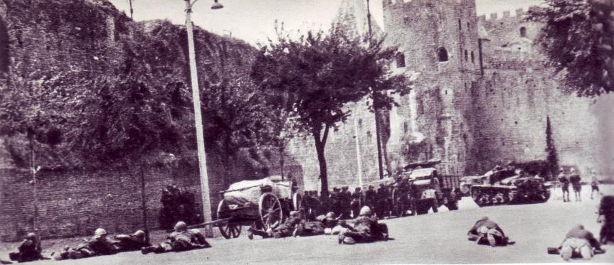 Granatieri_a_Porta_san_Paolo_1943