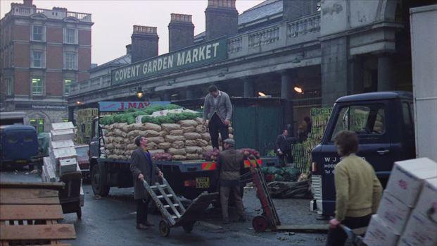 612592712-frenzy-film-covent-garden-market-mini-van-pile