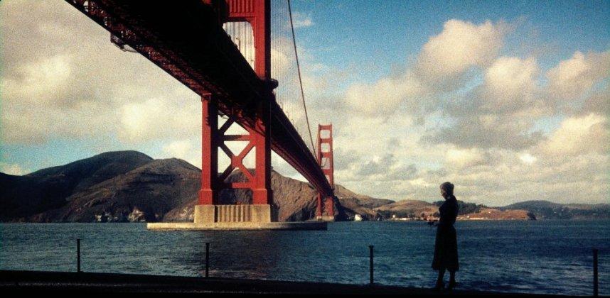 vertigo-1958-003-kim-novak-beside-golden-gate-bridge